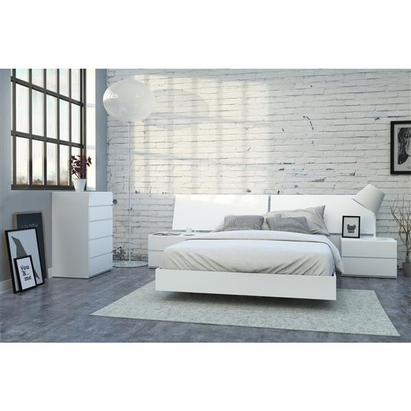 Nexera District 5 Piece White Queen Bedroom Set