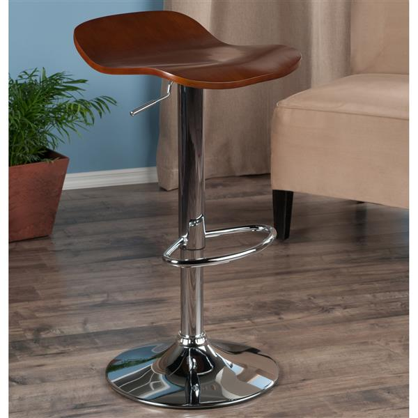 Winsome Wood Kallie Air Lifts 15.2-in x 22.7-in Cappaccino Barstools (Set of 2)