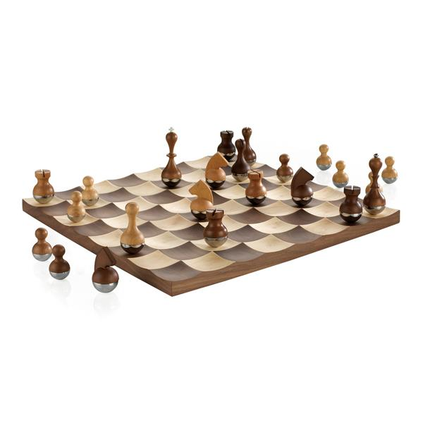 Umbra 16-in x 16-in Walnut Chess Set