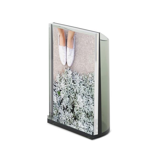 Umbra Spruce Optic Photo Display