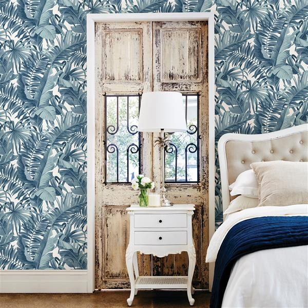 Papier peint « Alfresco Palm Leaf », bleu marin