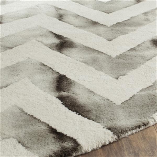 Safavieh Dip Dye Hand-Tufted Wool Ivory and Charcoal Area Ru
