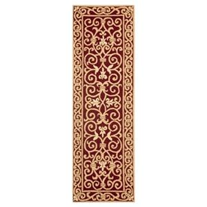 Safavieh Chelsea 30-in Burgundy Runner