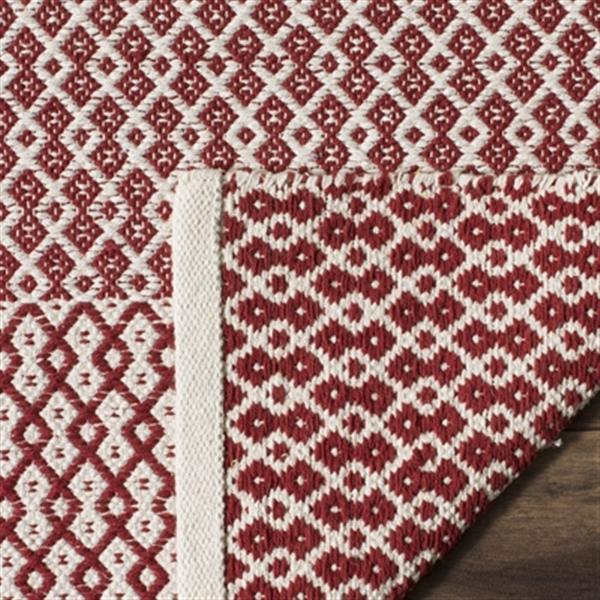 Safavieh Montauk Flat Weave Ivory and Red Area Rug,MTK339C-5