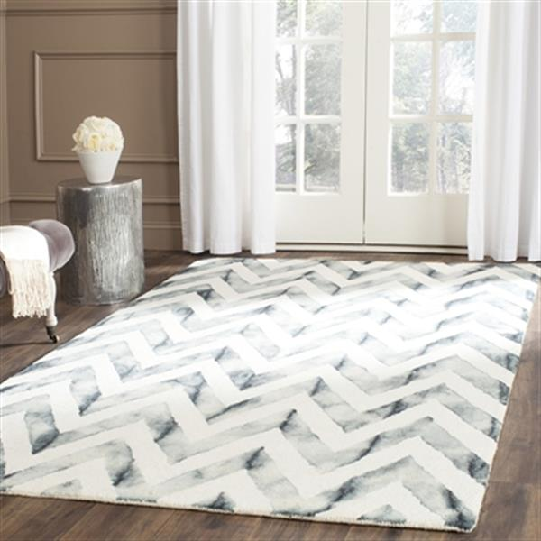 Safavieh Dip Dye Hand-Tufted Wool Ivory and Grey Area Rug,DD