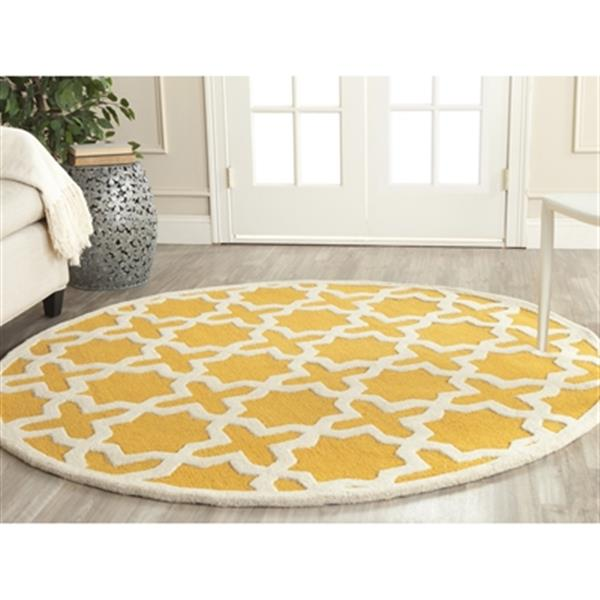Safavieh Cambridge 6-ft Round Gold and Ivory Area Rug
