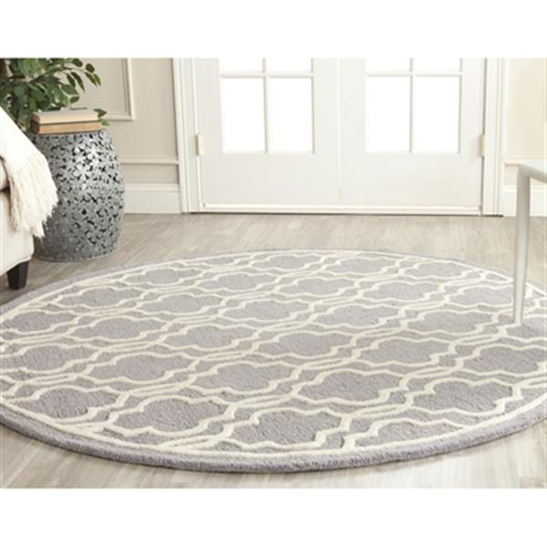 Safavieh Cambridge 6-ft Round Silver and Ivory Area Rug