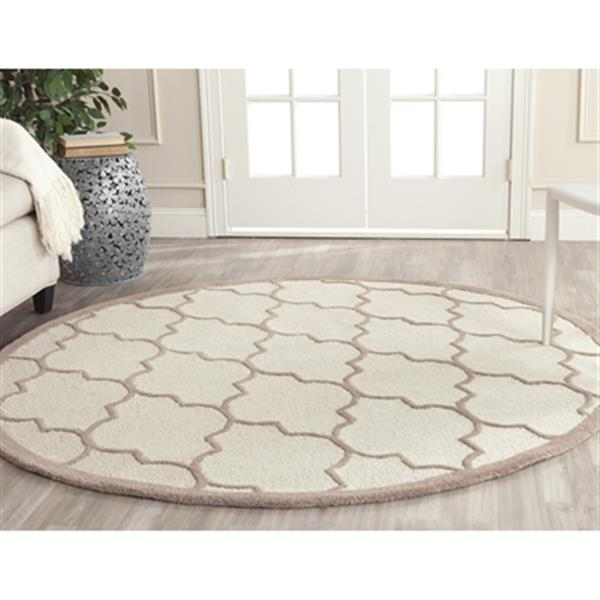 Safavieh Cambridge 72-in Round Ivory and Beige Rug