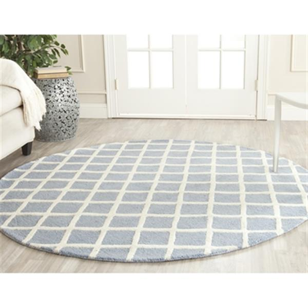Safavieh Cambridge 6-ft Round Light Blue and Ivory Area Rug