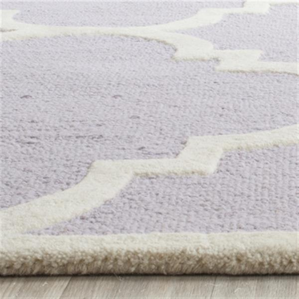 Safavieh Cambridge 5-ft x 8-ft Lavender and Ivory Rectangular Trellis Area Rug