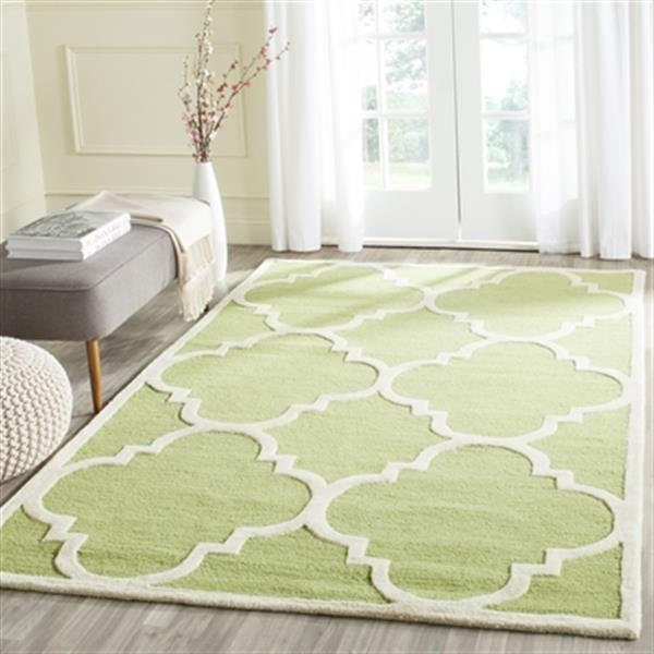 Safavieh Cambridge 5-ft x 8-ft Green and Ivory Area Rug