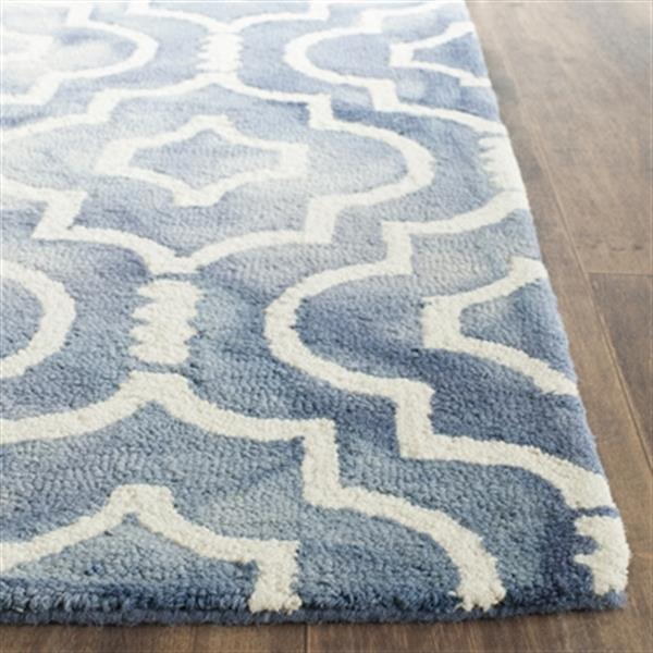 Safavieh Dip Dye 5-ft x 8-ft Hand-Tufted Wool Blue and Ivory Area Rug