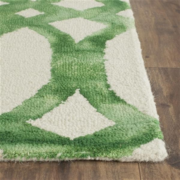 Safavieh Dip Dye 5-ft x 8-ft Hand-Tufted Wool Ivory and Green Area Rug