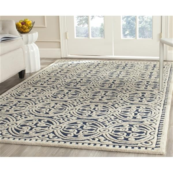Safavieh Cambridge 6-ft x 4-ft Navy Blue and Ivory Area Rug