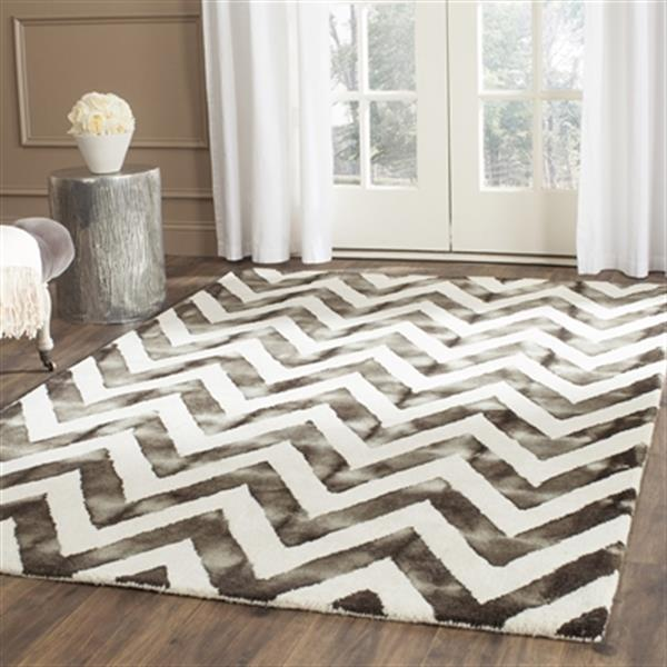 Safavieh Dip Dye 4-ft x 6-ft  Chevron Hand-Tufted Wool Ivory and Charcoal Area Rug