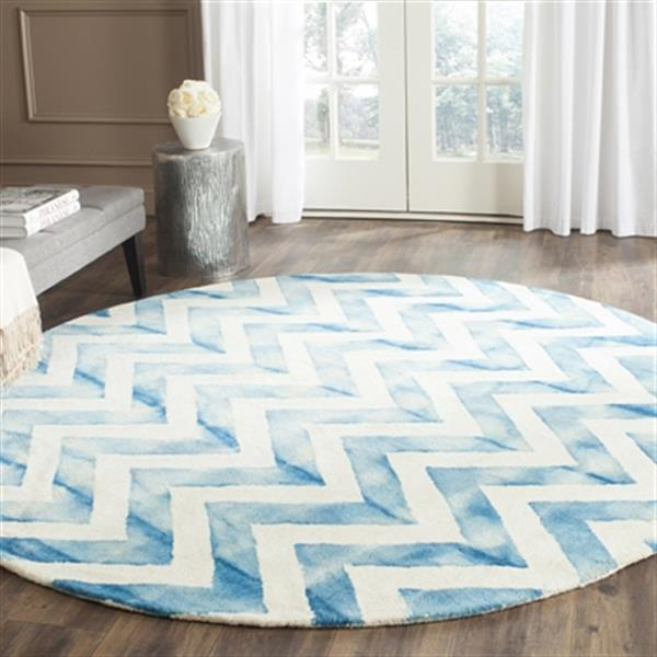 Safavieh Dip Dye 4-ft x 6-ft Chevron Hand-Tufted Wool Ivory and Turquoise Area Rug