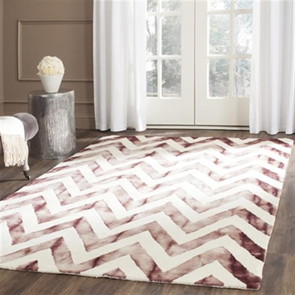 Safavieh Dip Dye 4-ft x 6-ft  Chevron Hand-Tufted Wool Ivory and Maroon Area Rug
