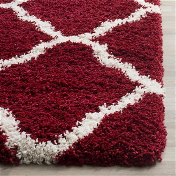Safavieh Hudson Shag 7.5-ft x 5.08-ft Red and Ivory Area Rug