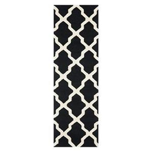 Safavieh Cambridge 30-in Black/Ivory Runner