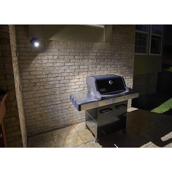 Luminaire DEL fonctionne sur piles activé par mouvement