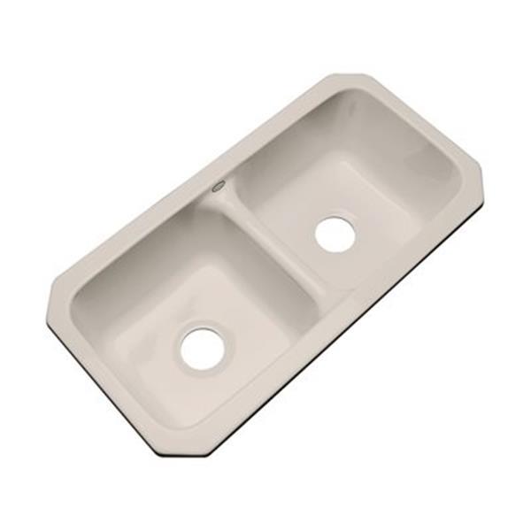 Dekor Englewood 33-in x 16-in Shell Undermount Double Bowl Kitchen Sink