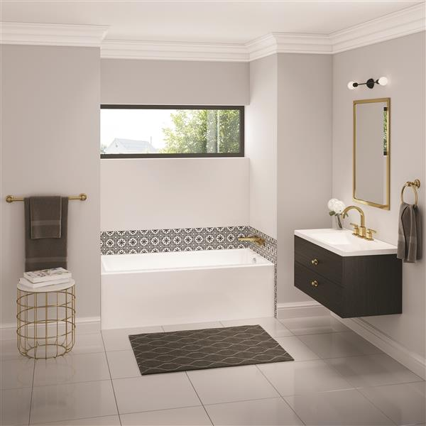 MAAX Bosca 30-in x 59.75-in White  Bathtub with  Right Drain