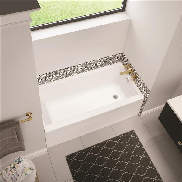 MAAX Bosca AFR 60 x 30-in Alcove Bathtub with Right Drain