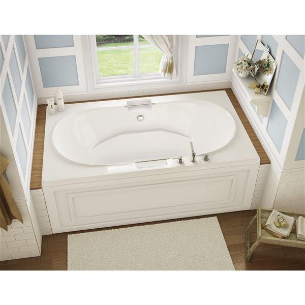 MAAX Antigua 42-in x 71.75-in White Acrylic Bathtub with Center Drain