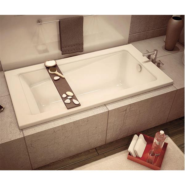 MAAX New Town 32-in x 59.75-in Acrylic Bathtub with Center Drain