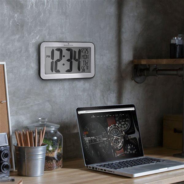 Horloge murale numérique Marathon, rectangle, argent