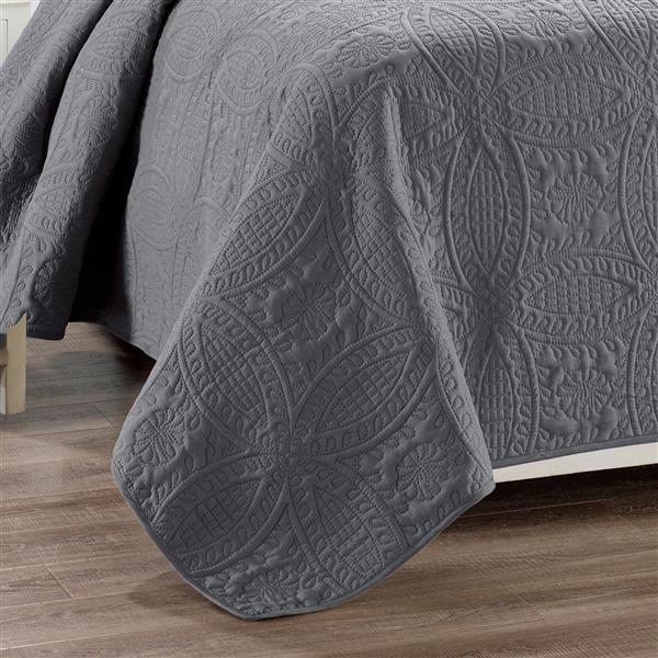 Millano Collection Gray Polyester 3 Piece Queen Quilt Set