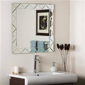 Decor Wonderland Luciano 27.6-in Square Mirror