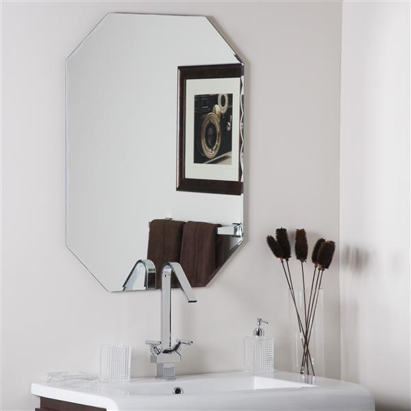Decor Wonderland Frameless 23.5-in x 31.5-in Octagonal Mirror