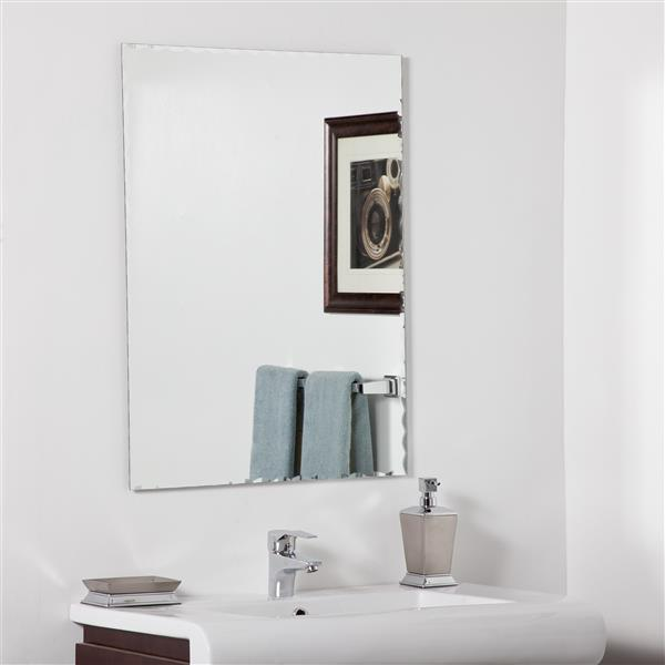 Decor Wonderland Madeline  23.6-in Rectangular Mirror