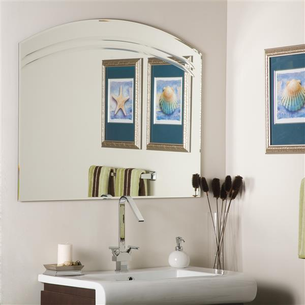 Decor Wonderland Angel 39.5-in Arch Bathroom Mirror