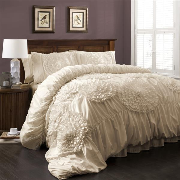 Lush Decor Serena 3-Piece Ivory King Comforter Set