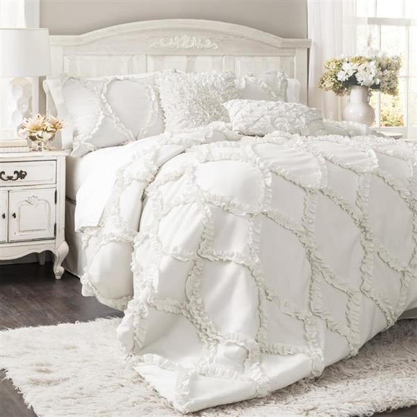 Lush Decor Avon 3-Piece White Queen Comforter Set