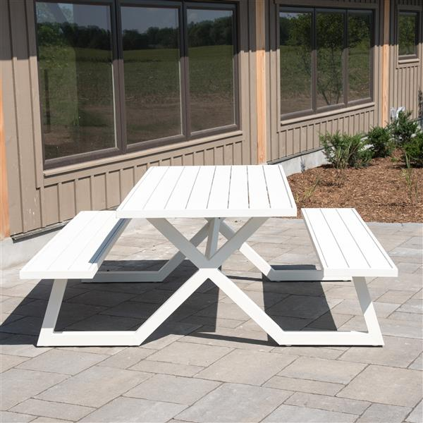Banquet Deluxe Aluminum Picnic Table - White - 8-Seat