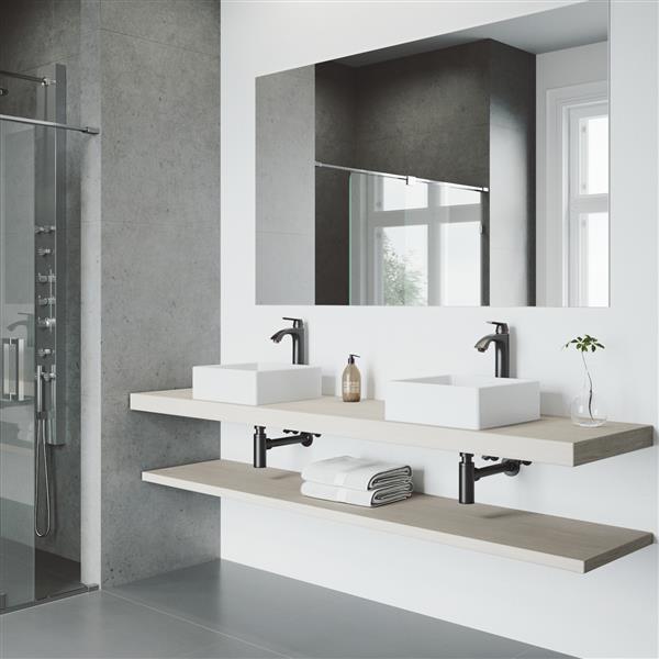 Vasque de salle de bain et robinet, blanc