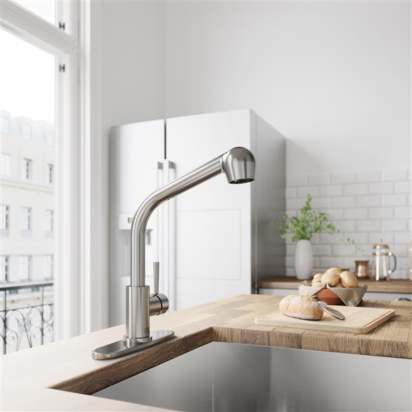 VIGO Avondale Pull-Out Spray Kitchen Faucet With Deck Plate