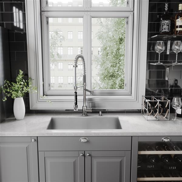 VIGO Zurich Pull-Down Spray Kitchen Faucet In Chrome