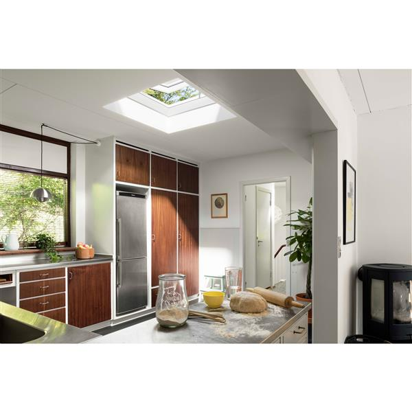 VELUX Flat Roof Exit Skylight  35.4375-in x 47.25-in