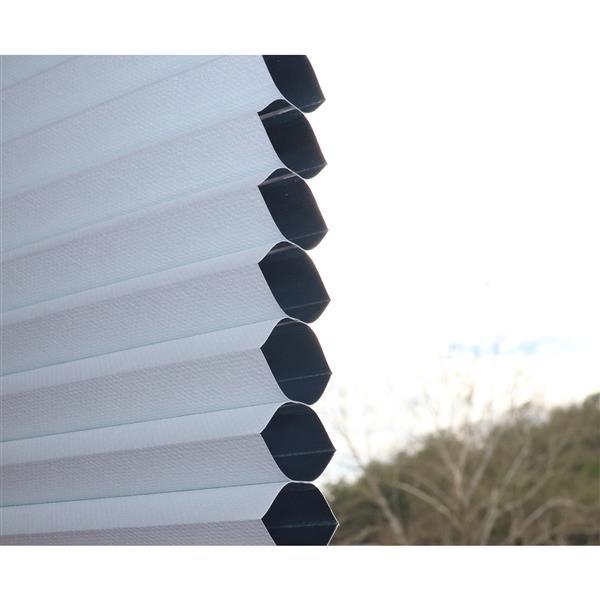 """Store alvéolaire obscur, 22,5"""" x 64"""", polyester, blanc"""