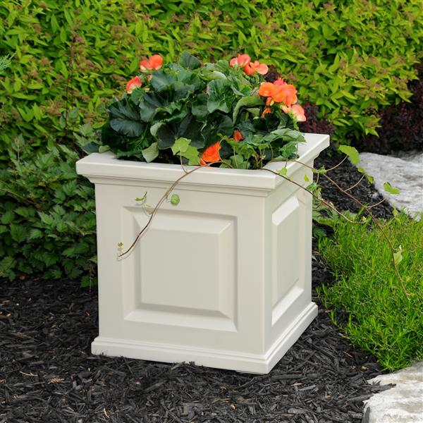 Mayne Nantucket Planter - 16-in x 16-in - Plastic - Off-white