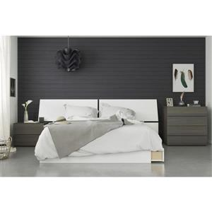 Nook 4 Piece Queen Size Bedroom Set, Ebony & White