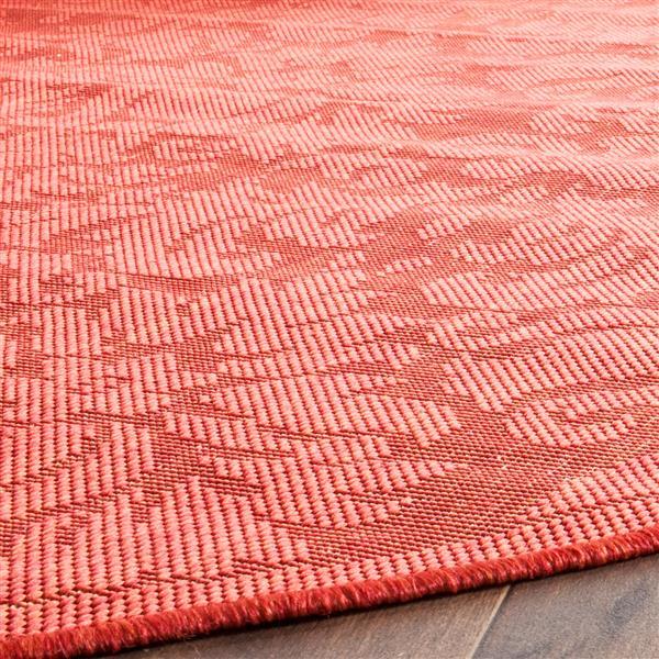 Safavieh Courtyard Damask Rug - 4' x 5.6' - Polypropylene - Red