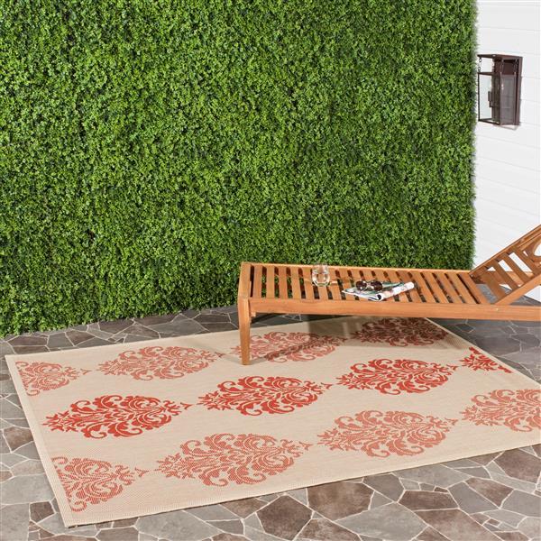 Safavieh Courtyard Damask Rug - 4' x 5.6' - Polypropylene - Natural