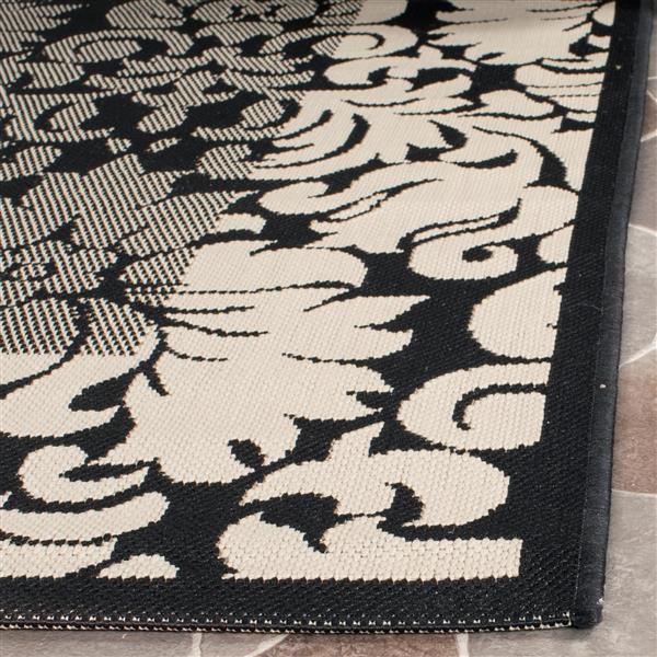 Safavieh Courtyard Damask Rug - 2.6' x 5' - Polypropylene - Black