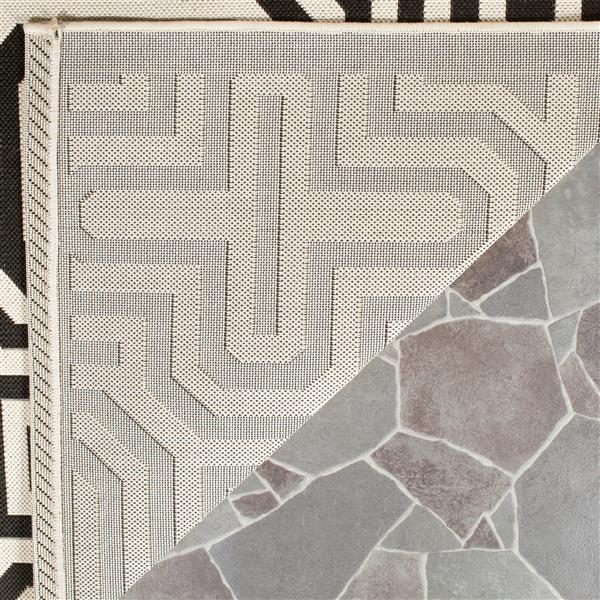 Safavieh Courtyard Geometric Rug - 2.6' x 5' - Polypropylene - Sand