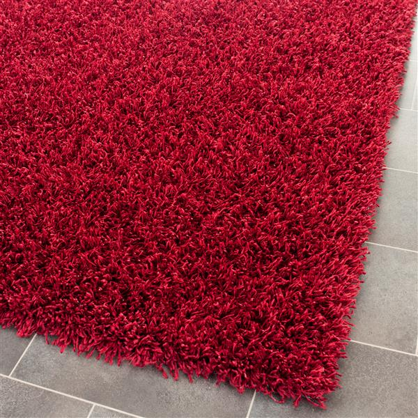 Safavieh Monterey Solid Rug - 4' x 6' - Polyester - Red
